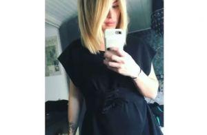 Emilie Fiorelli enceinte : Son baby bump a bien poussé !