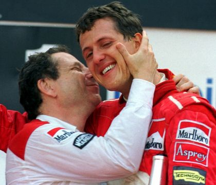 """Michael Schumacher entre dans l'histoire : """"Il est là, se bat encore"""""""