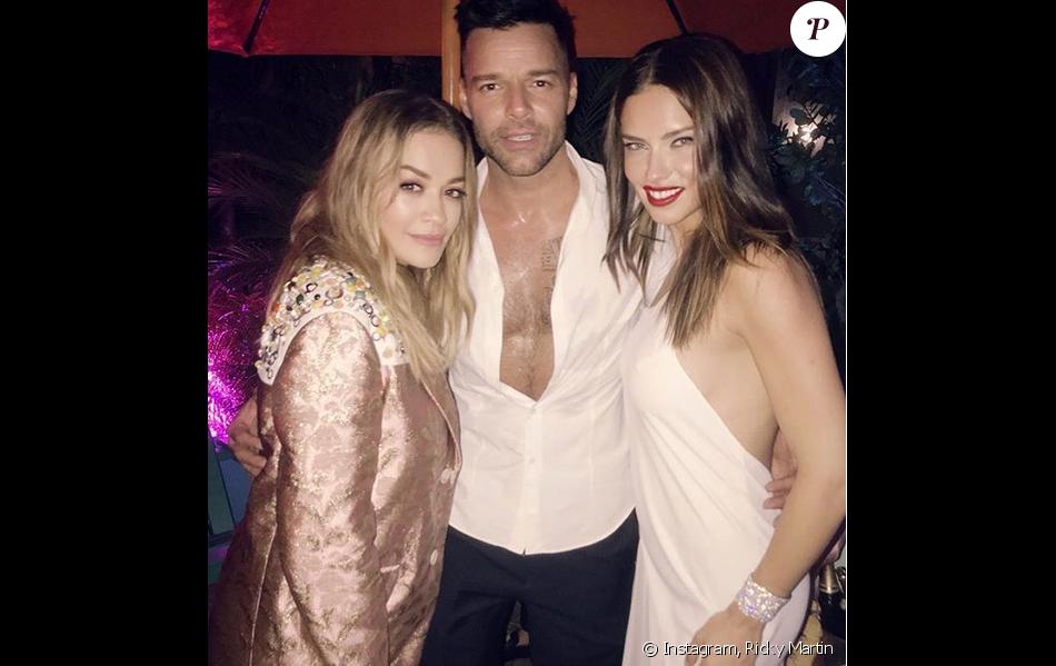 """Rita Ora, Ricky Martin et Adriana Lima à la soirée d'ouverture du """"Prada Double Club Miami"""" aux studios Ice Palace Films. Miami, le 5 décembre 2017."""