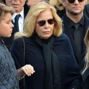 """Johnny Hallyday enterré à Saint-Barthélemy, Sylvie Vartan se dit """"triste"""""""