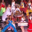Les 30 Miss en costume régional pour l'ouverture - Concours Miss France 2018. Sur TF1, le 16 décembre 2017.