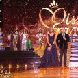 Sylvie Tellier, Iris Mittenaere, Jean-Pierre Foucault et Jean-Paul Gautier - Concours Miss France 2018. Sur TF1, le 16 décembre 2017.