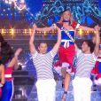 Miss Lorraine        :      Cloé Cirelli en tenue du 14 juillet - Concours Miss France 2018. Sur TF1, le 16 décembre 2017.