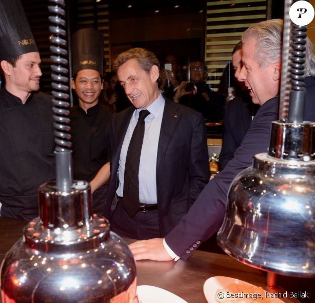 Semi-exclusif - Nicolas Sarkozy - Inauguration de la nouvelle table libanaise de la Maison Noura à Paris le 12 décembre 2017. © Rachid Bellak/Bestimage