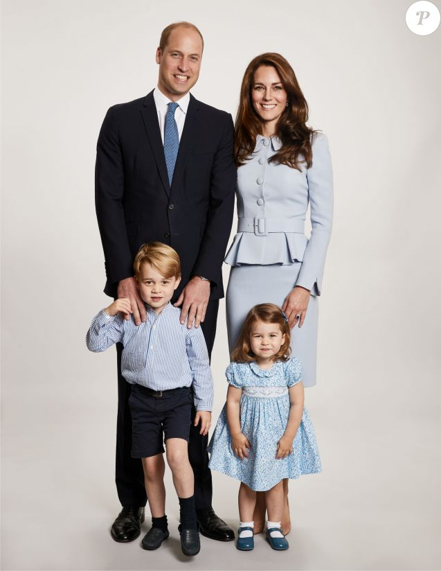 The Duke and Duchess of Cambridge are pleased to share a new photograph of their family. The image features on Their Royal Highnesses' Christmas card this year. The photograph shows The Duke and Duchess of Cambridge with their two children, George and Charlotte, at Kensington Palace. Photo by Chris Jackson/PA Wire/ABACAPRESS.COM18/12/2017 - London