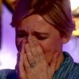 """Laura Laune, gagnante de """"La France a un incroyable talent 2017"""", choque Anne-Elisabeth Lemoine dans """"C à vous"""" sur France 5. Le 21 décembre 2017."""