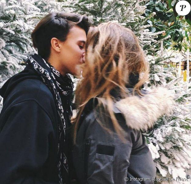 Thylane Blondeau et Raphaël Le Friant s'embrassent sur Instagram, le 16 décembre 2017.