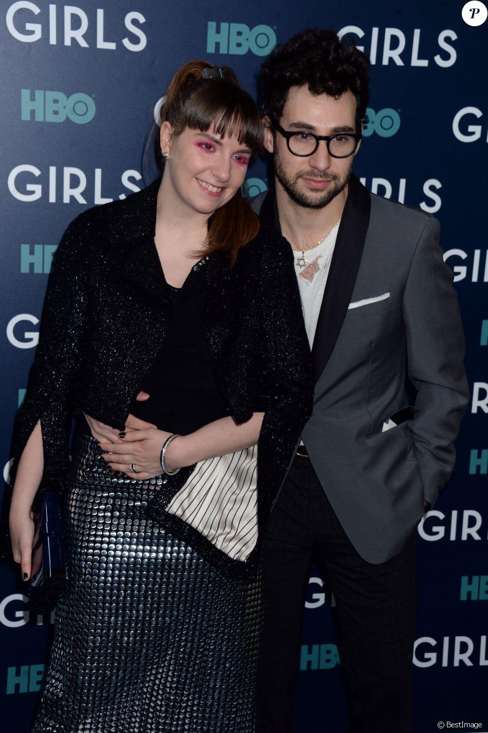 Lena Dunham et son compagnon Jack Antonoff lors de la première de la 6ème et dernière saison de ''Girls'' au Alice Tully Hall, Lincoln Center à New York, le 2 février 2017.