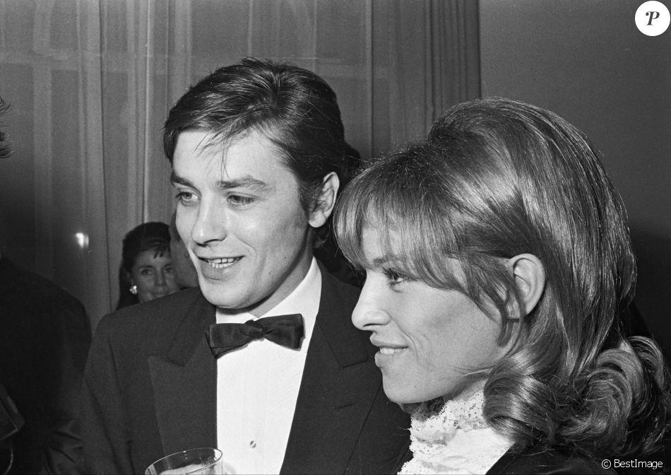 ARCHIVES - Alain Delon et sa femme Nathalie à Paris en novembre 1967.