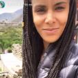 """Shy'm avec des tresses au Népal pour le tournage de l'émission """"A l'état sauvage"""", le 20 juin 2017."""