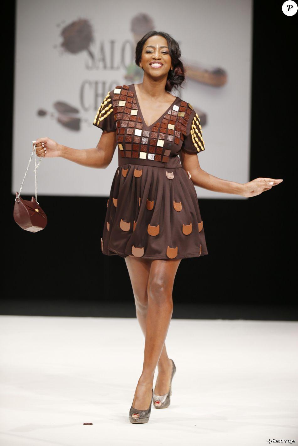 Hapsatou sy d fil du 23 me salon du chocolat la porte de versailles paris le 27 octobre - Salon de coiffure hapsatou sy ...