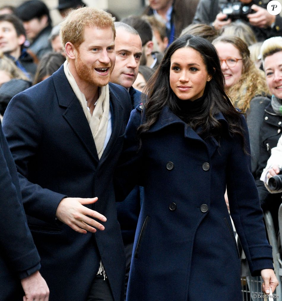 """Le prince Harry et sa fiancée Meghan Markle arrivent au """"Nottingham Contemporary"""" pour la journée mondiale de la lutte contre le Sida à Nottingham à l'occasion de leur première visite officielle depuis leurs Fiançailles à Nottingham le 1er decembre 2017."""