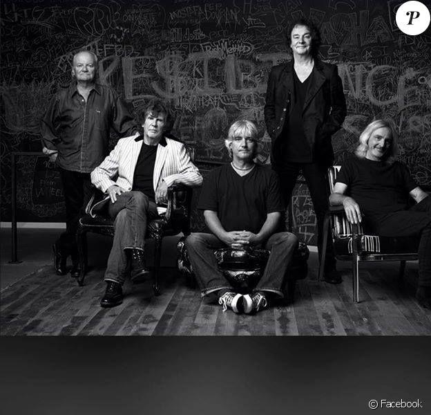 Jim Rodford (à gauche), bassiste du groupe The Zombies (mais aussi de The Kinks et Argent), est mort à 76 ans le 20 janvier 2018, après avoir fait une chute dans les escaliers. Photo Facebook The Zombies.