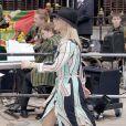 Les tenues élégantes et raffinées n'ont pas toujours été le fort de Zara Phillips. Le jour du mariage de son oncle le Prince Charles avec Camilla, en avril 2005, robe bariolée et chapeau de cow-boy ne cadraient pas très bien avec l'ambiance !