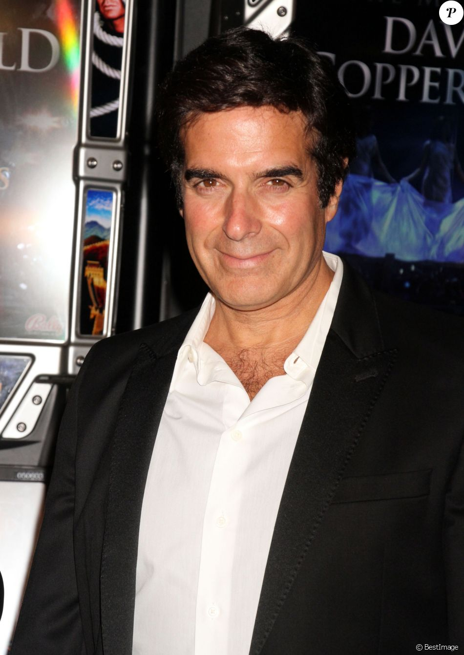 le magicien david copperfield devoile sa nouvelle machine a sous  le magicien david copperfield devoile sa nouvelle machine a sous the magic of david copperfield a las vegas le 26 juin 2014