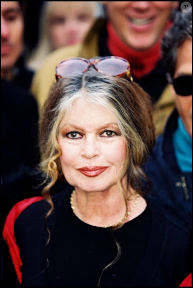 Brigitte Bardot à Paris en 1998.