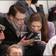 La princesse Victoria de Suède et son fiancé Daniel Westling assistent à un match de hockey sur glace, à Stockholm
