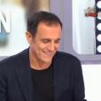 Fou rire dans Télématin après un lapsus de Charlotte Bouteloup. Le 28 octobre 2017 sur France 2. Ici Thierry Beccaro.
