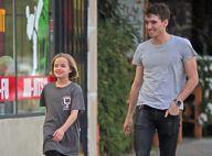 """Vivienne Jolie-Pitt : La fille d'Angie à la cool avec un jeune """"baby-sitter"""""""