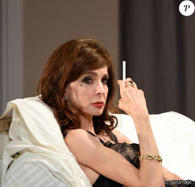 """Anne Parillaud - Filage de la pièce """"Le lauréat"""" au théâtre Montparnasse à Paris le 29 janvier 2018. © Coadic Guirec/Bestimage"""