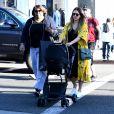 Jessica Alba est allée faire du shopping avec son fils Hayes chez Saint Laurent (YSL) à West Hollywood, le 8 février 2018