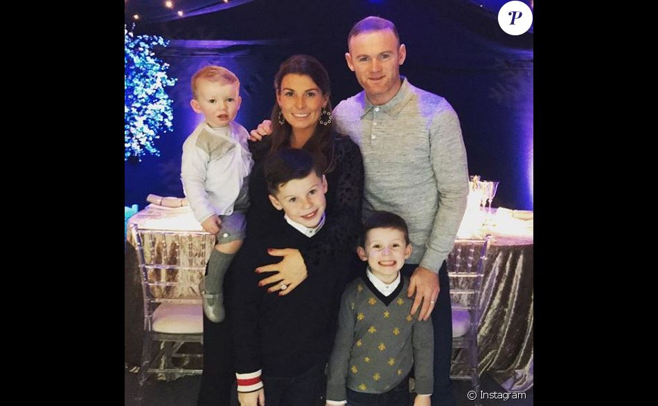 Wayne Rooney avec sa femme Coleen et leurs trois fils à Noël. Instagram, 25 décembre 2017.