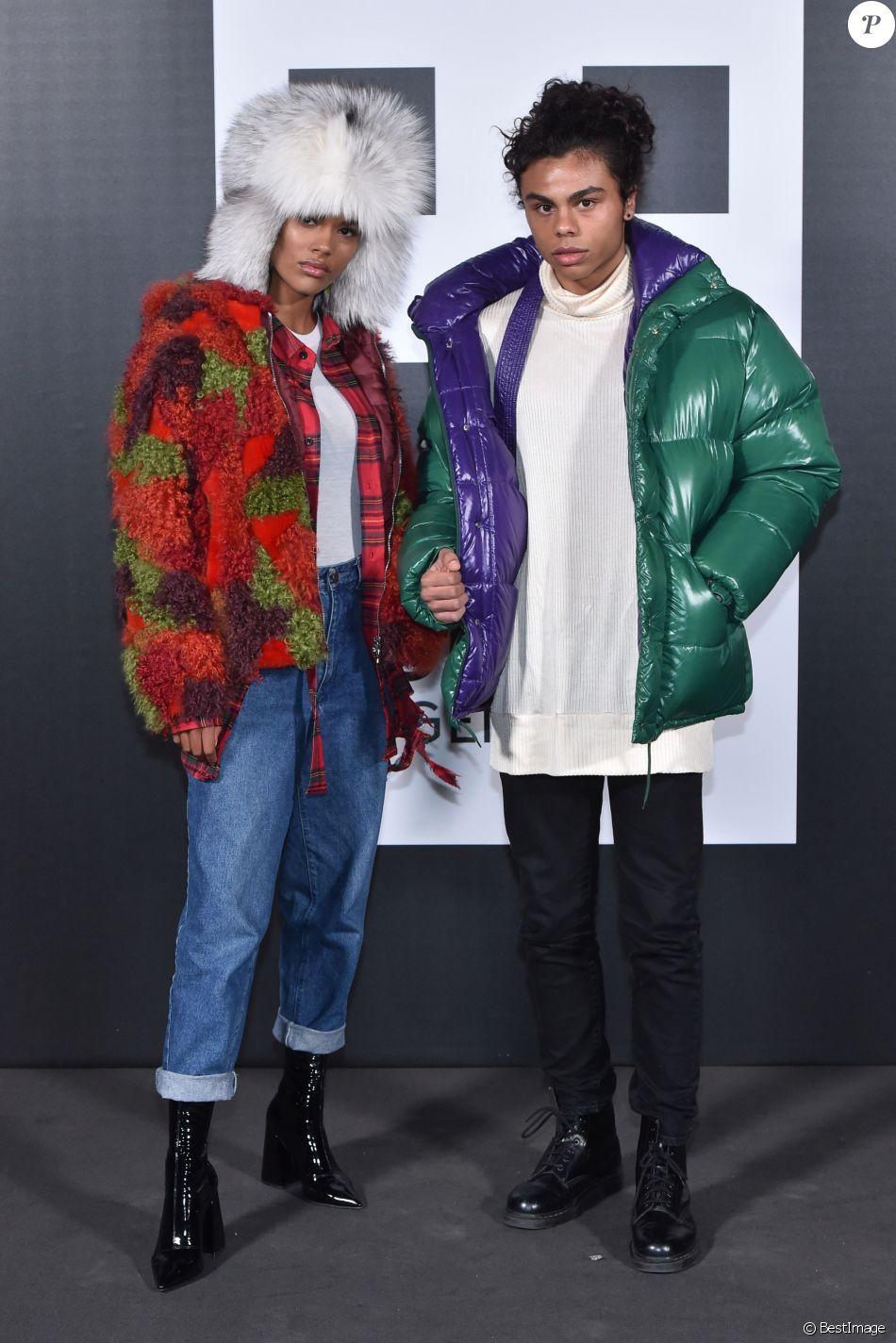 """Tina Kunakey et son frère Zachary Kunakey assistent à la présentation """"Moncler Genius"""" en ouverture de la Fashion Week de Milan, le 20 février 2018."""
