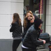 Mlle Agnès se fait voler son sac... en direct ! Regardez !