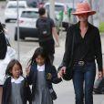 Exclusif - A peine rentrées de Saint-Barthelemy, Laeticia accompagnent leurs filles Jade et Joy pour la rentrée des classes a Pacific Palisades.