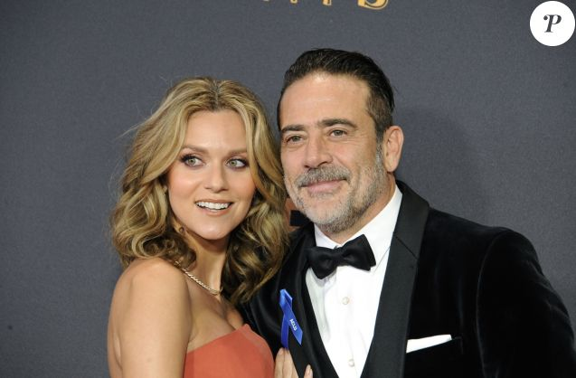 Hilarie Burton et son mari Jeffrey Dean Morgan à la 69e soirée annuelle des Emmy awards au théâtre Microsoft à Los Angeles, le 17 septembre 2017 © Dave Longendyke/Globe Photos via Zuma/Bestimage
