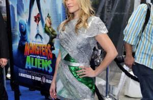 Quand Reese Witherspoon, monstrueusement belle... affronte ses copains aliens Hugh Laurie et Kiefer Sutherland !