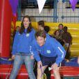 La famille royale des Pays-Bas très impliquée dans le Make A Difference Day : le prince Pieter-Christiaan et sa femme