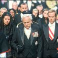 Le prince Rainier entouré de Caroline et Albert lors des obsèques de la princesse Grace à Monaco, le 20 septembre 1982.