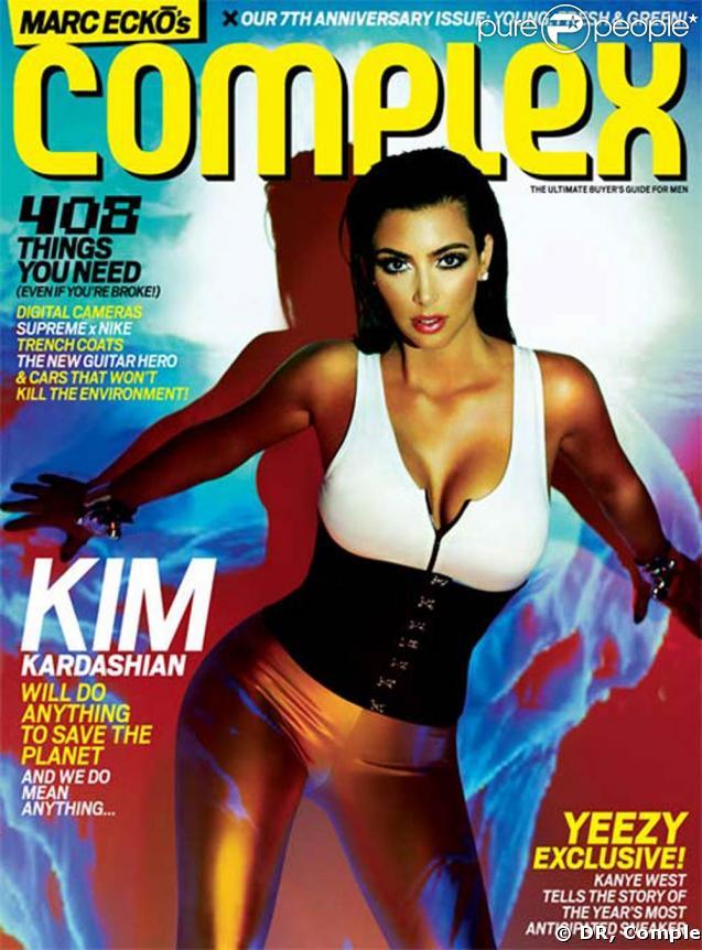 Kim Kardashian... au top de la sexy attitude pour Complex Magazine !