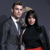 """Cristiano Ronaldo sacré après """"une année de rêve"""", Georgina à ses côtés"""