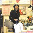 Elisabetta Gregoraci... séance shopping à Rome, le 26 mars 2009 !