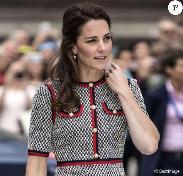 La duchesse Catherine de Cambridge inaugurant le 29 juin 2017 la nouvelle extension du musée Albert & Victoria à Londres.