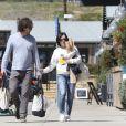 Exclusif - Shannen Doherty et son mari Kurt Iswarienko font leurs courses, à Malibu le 17 mars 2017. Shannen semble en bonne santé après avoir subi un lourd traitement contre le cancer.