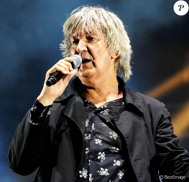 Archives - Jacques Higelin en concert pendant les Solidays en 2010 à Paris, Juillet 2010