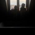 Marc-Olivier Fogiel partage une photo de Mila et Lily dans leur bain, avril 2018