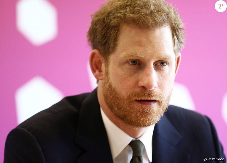Le prince Harry lors du Commonwealth Youth Forum à Londres le 16 avril 2018, au centre de conférences Reine Elizabeth II.