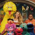 Blake Lively et les héros de Sesame Street. Avril 2018.