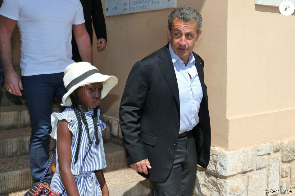 Nicolas Sarkozy et sa nièce Céline, fille de Valeria Bruni-Tedeschi et Louis Garrel, au Monte-Carlo Country Club lors du Rolex Monte-Carlo Masters 2018 à Roquebrune Cap Martin, France, le 21 avril 2018.