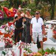 Semi-exclusif - Laeticia Hallyday, Sylviane (la nounou), Jean-Claude Camus avec sa fille Isabelle Camus, Marie Poniatowski - Laeticia Hallyday s'est recueillie sur la tombe de J. Hallyday avec JC Camus accompagné de sa fille et de son petit-fils au cimetière de Lorient à Saint-Barthélemy le 24 avril 2018.