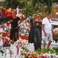 Semi-exclusif - Laeticia Hallyday, Jean-Claude Camus avec sa fille Isabelle Camus, Marie Poniatowski - Laeticia Hallyday s'est recueillie sur la tombe de J. Hallyday avec JC Camus accompagné de sa fille et de son petit-fils au cimetière de Lorient à Saint-Barthélemy le 24 avril 2018.