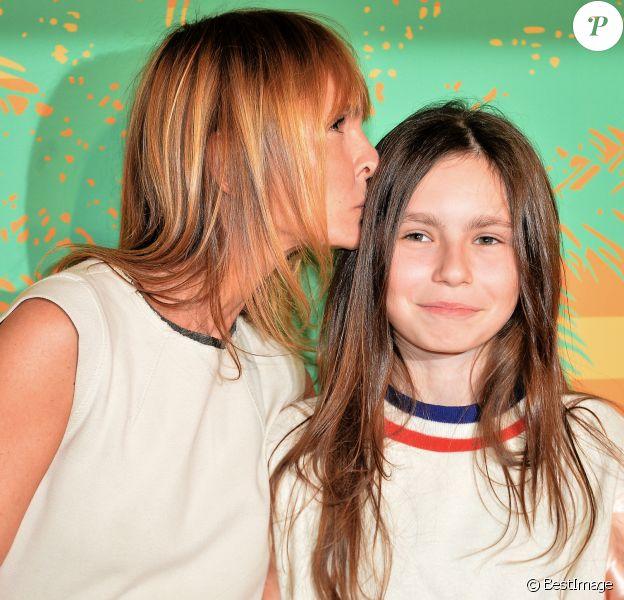"""Axelle Laffont et sa fille Mitty Hazanavicius - Avant-première du film """"MILF"""" au cinéma Gaumont-Opéra à Paris, France, le 17 avril 2018. © Veeren/Bestimage"""
