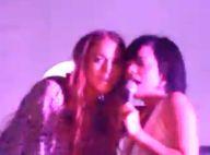 Lindsay Lohan tente de chanter Womanizer pendant un concert de Lily Allen... Loupé !