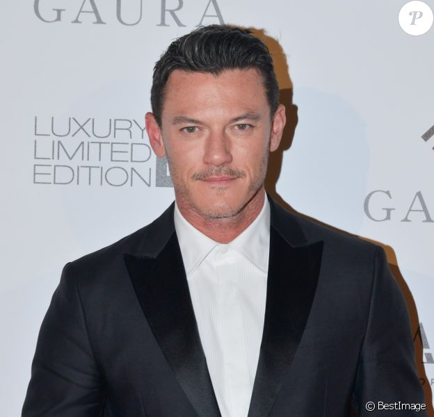"Exclusif - Luke Evans au dîner caritatif ""The Global Gift Initiative"" au Carlton Beach Club lors du Festival International du Film de Cannes, le 11 mai 2018."