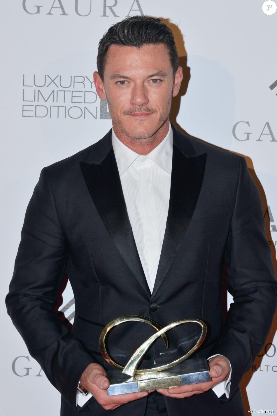 "Exclusif - Luke Evans au dîner caritatif ""The Global Gift Initiative"" au Carlton Beach Club lors du Festival International du Film de Cannes, le 11 mai 2018."