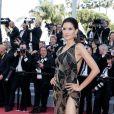 Raica Oliveira (bijoux De Grisogono) - Montée des marches du film «Les Filles du Soleil» lors du 71ème Festival International du Film de Cannes. Le 12 mai 2018 © Borde-Jacovides-Moreau/Bestimage